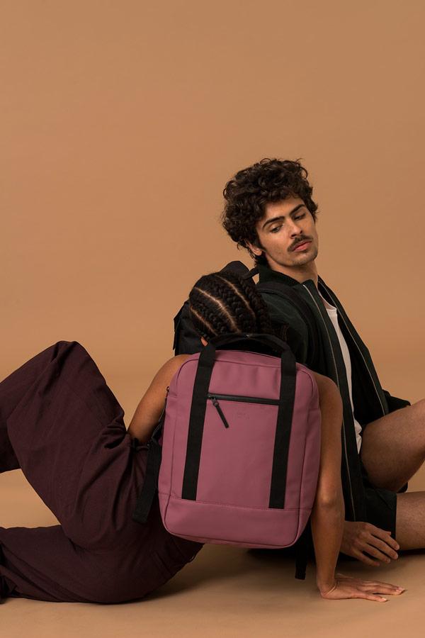 Ucon Acrobatics — fialový batoh — nepromokavý — městský — vegan, sustainable — podzim/zima 2018