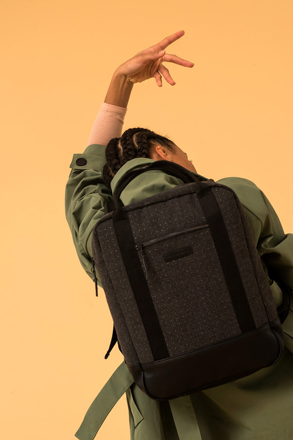 Ucon Acrobatics — černý prostorný batoh s tečkami — vegan, sustainable — podzim/zima 2018