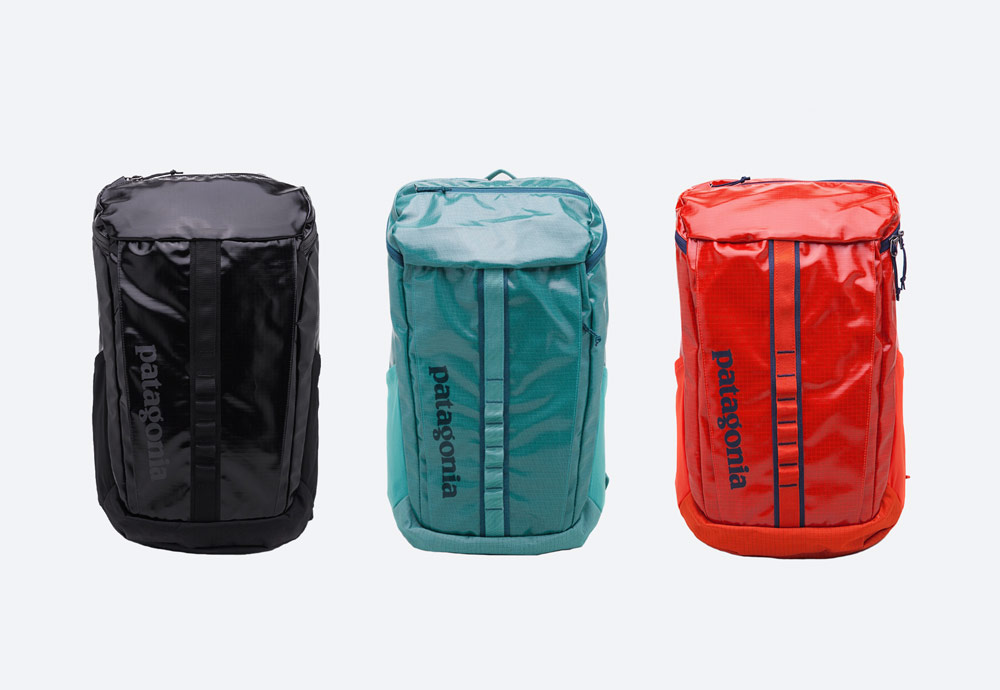 Batoh Patagonia Black Hole Pack — černý, modro-zelený, červený — městský/školní/outdoor