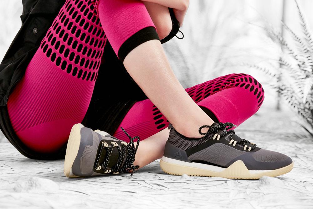 adidas by Stella McCartney — boty PUREBOOST X TR 3.0 — růžové legíny — funkční sportovní oblečení — podzim/zima 2018