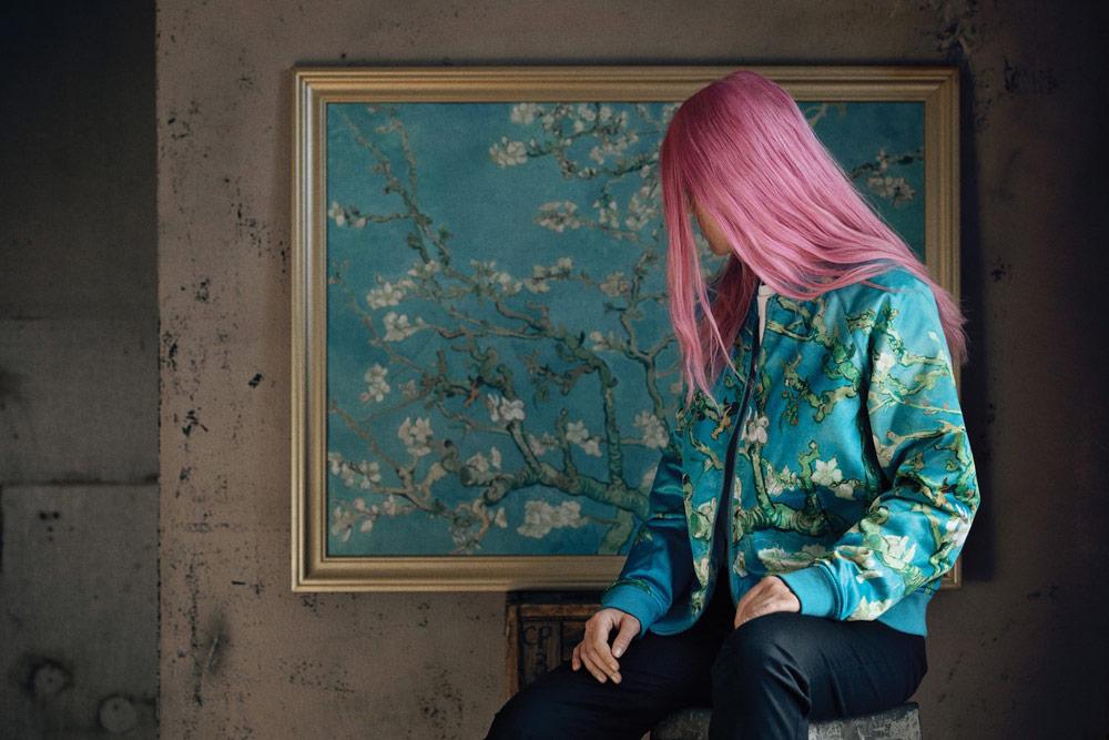 Vans x Van Gogh — modrý saténový bomber — Mandloň v květu
