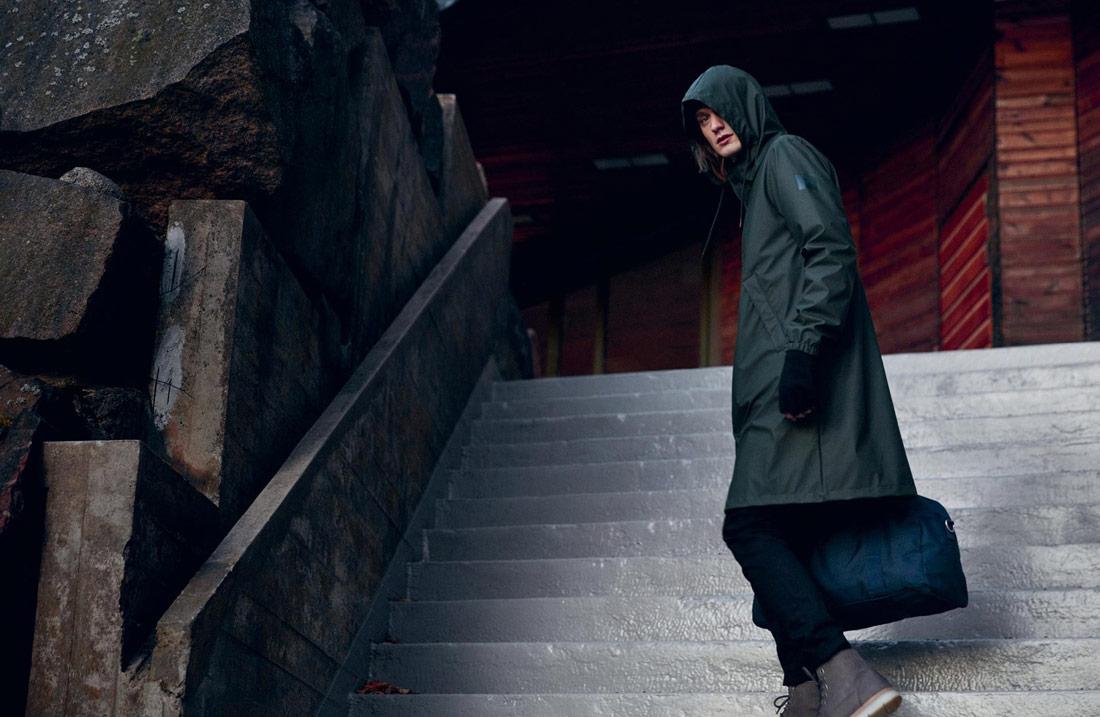Makia — pršiplášť — pláštěnka — raincoat — pánská tmavě zelená nepromokavá bunda s kapucí