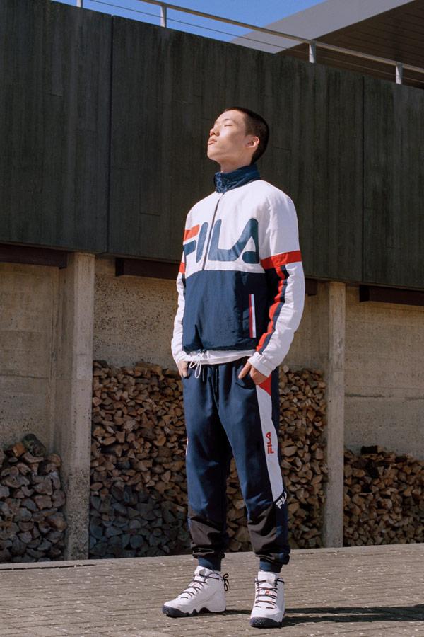 Fila — pánská modro-bílá bunda — modré tepláky joggers — tepláková souprava — sportovní oblečení — podzim/zima 2018