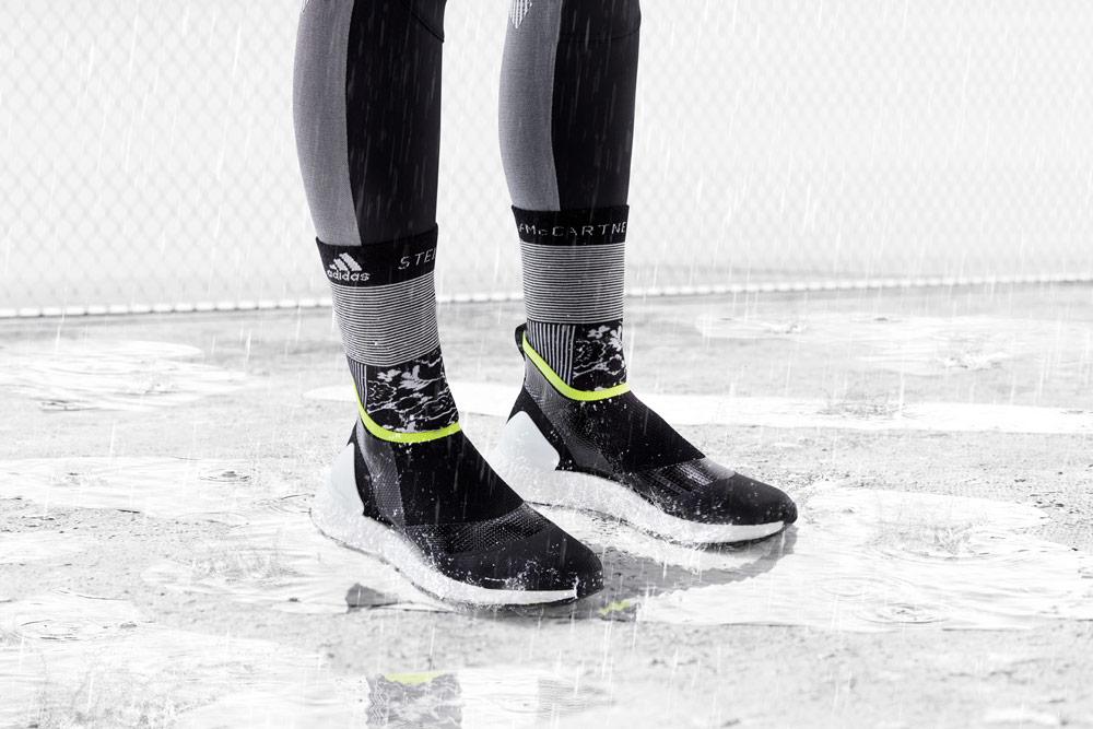 adidas by Stella McCartney — boty ULTRABOOST X ATR bez tkaniček — vysoké ponožky — funkční sportovní oblečení — podzim/zima 2018