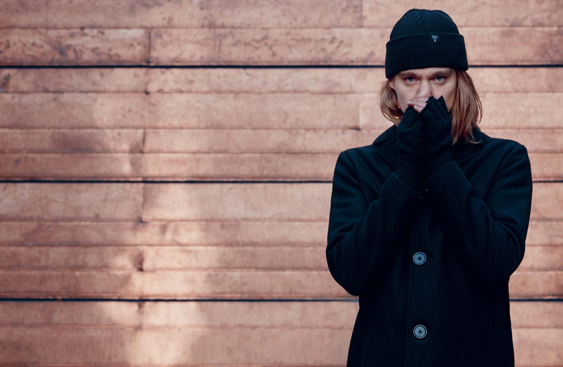 Makia — krátký pánský vlněný kabát — černý