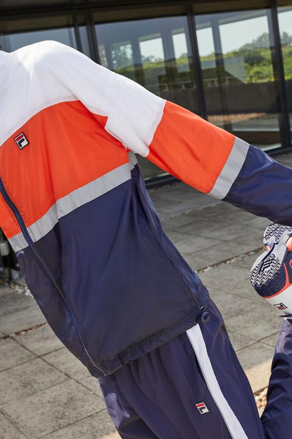 Fila — pánská modro-bílo-červená bunda — modré tepláky — tepláková souprava — sportovní oblečení — podzim/zima 2018
