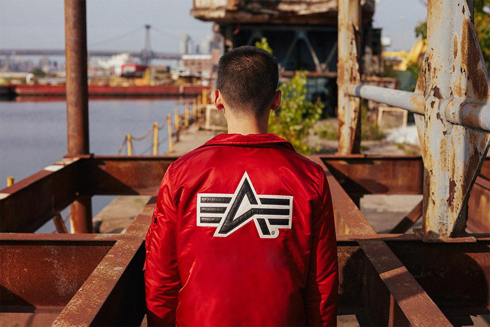 Alpha Industries — pánský bomber — červený — podzimní/zimní bunda do pasu — 2018