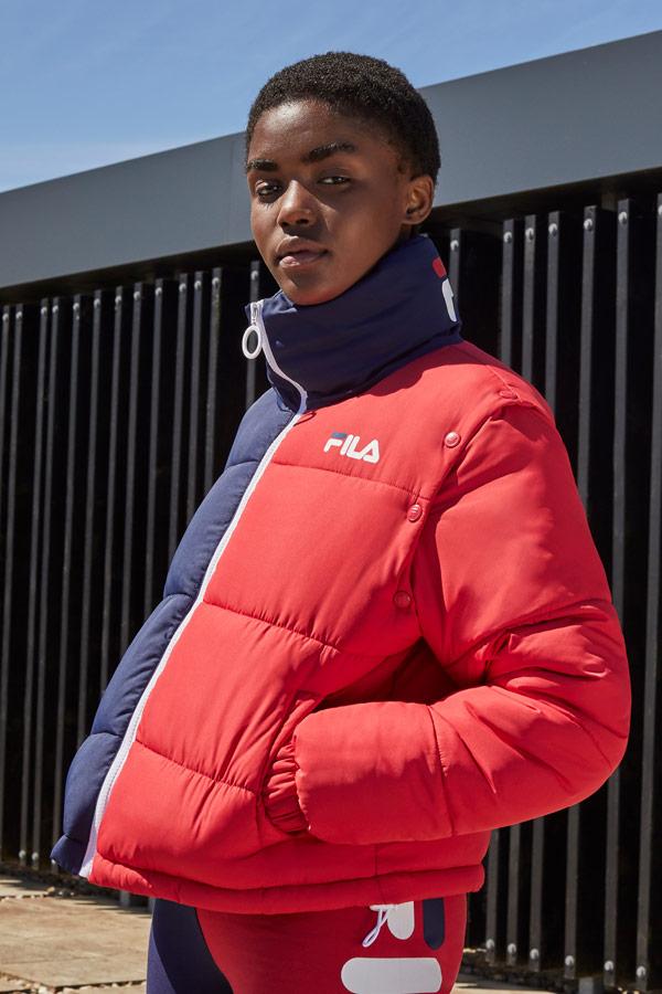 Fila — dámská modro-červená prošívaná zateplená bunda s odjímatelnými rukávy — sportovní oblečení — podzim/zima 2018
