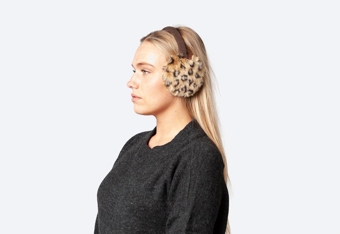 Plush Earmuffs — zimní klapky na uši — dámské — kožešinové, chlupaté — leopardí vzor