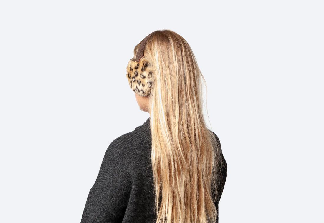 Plush Earmuffs — dámské zimní klapky na uši — kožešinové, chlupaté — leopardí vzor —