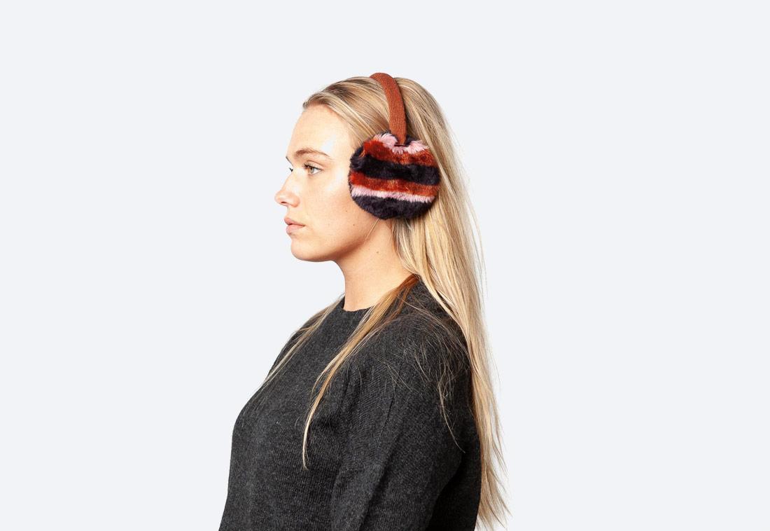 Fur Earmuffs — dámské zimní klapky na uši — kožešinové, chlupaté — červené, černé