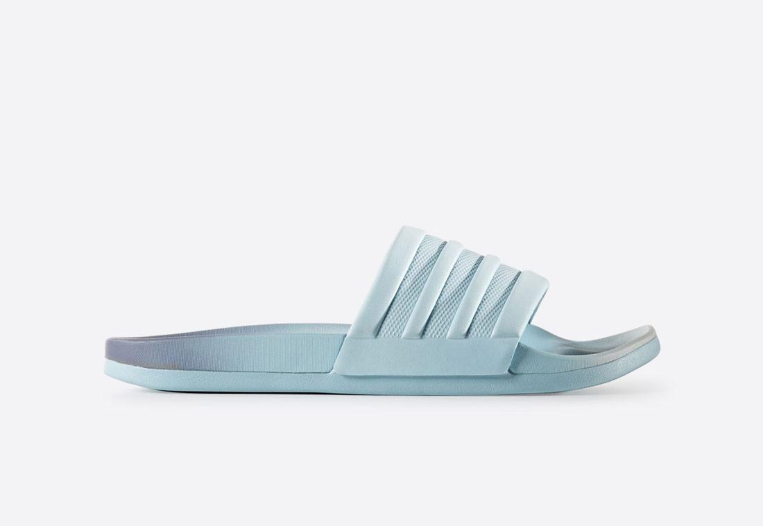 adidas adilette Cloudfoam Plus Fade – dámské pantofle – plavecké nazouváky – modré s přechodem do fialové