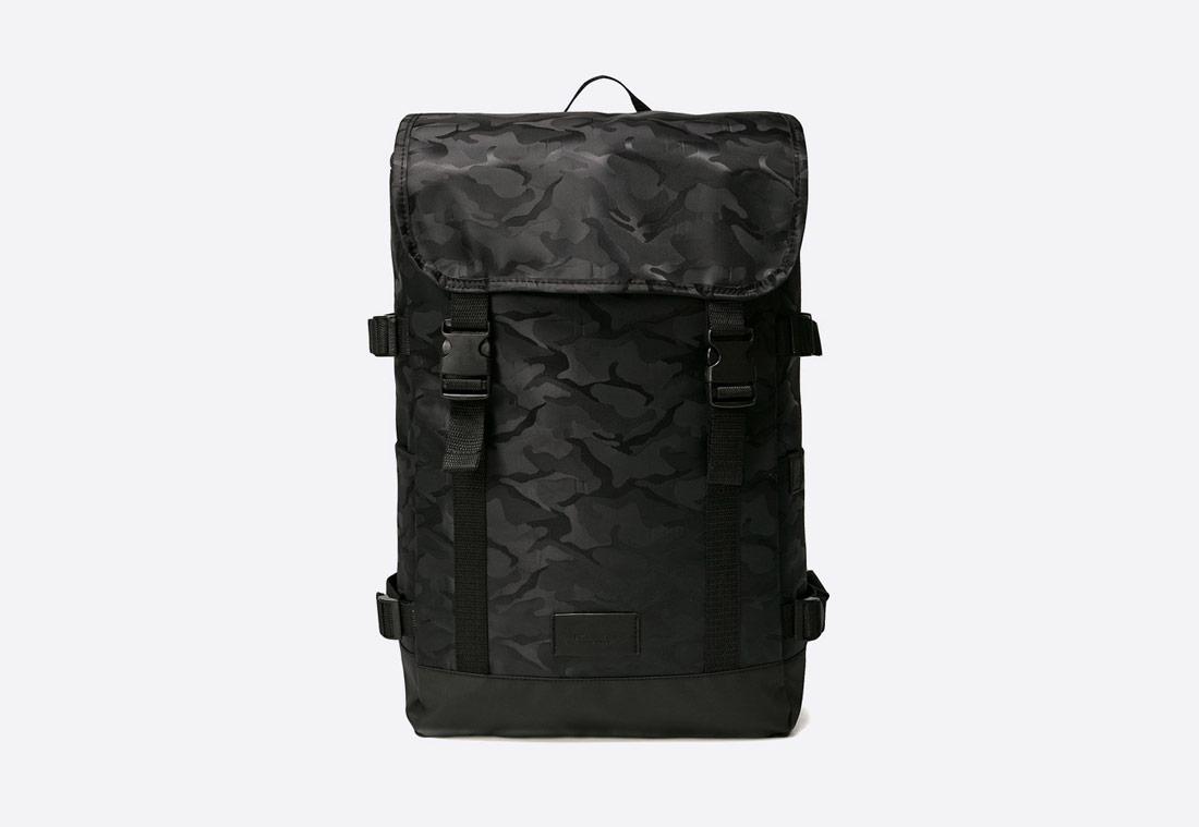 Medicine Marrakesh – maskáčový batoh (camo backpack) – černý (black)