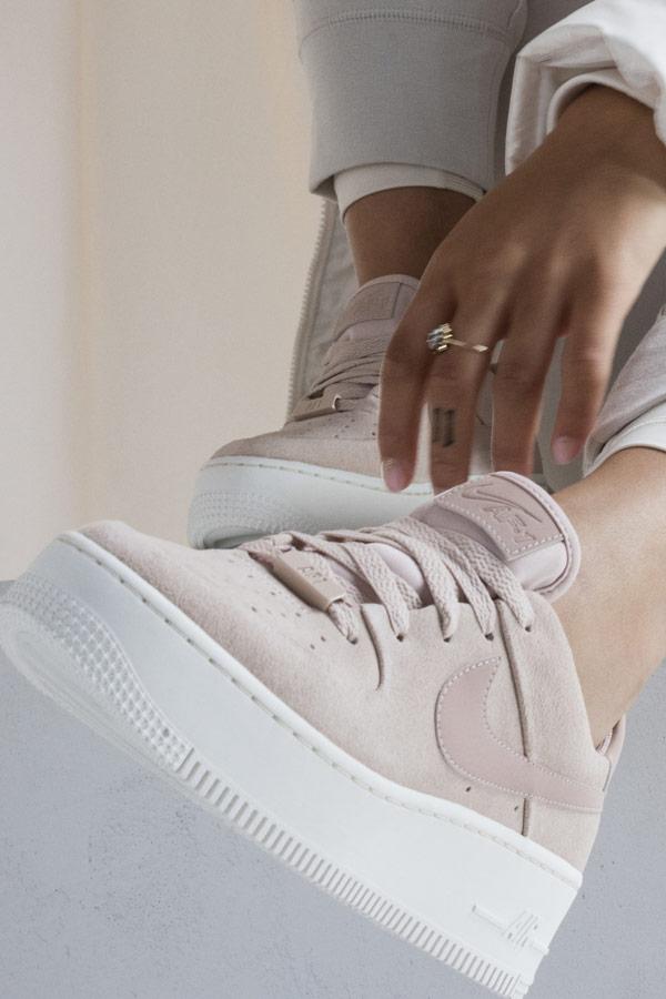 Nike Air Force 1 Sage Low — dámské boty — sneakers — tenisky — béžové — lookbook