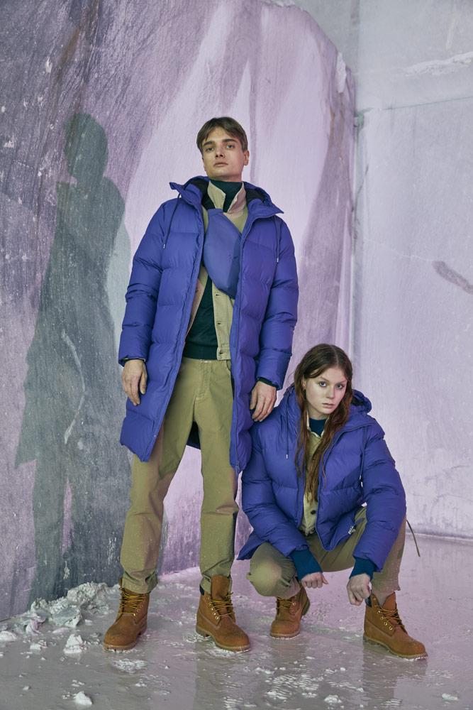 Rains — dlouhé péřové bundy s kapucí — prošívané — modré — pánské, dámské