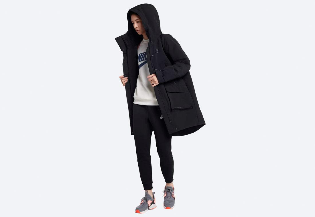 Nike Sportswear Tech Pack Down-Fill — zimní bunda s kapucí — dámská parka — černá — black women's winter jacket