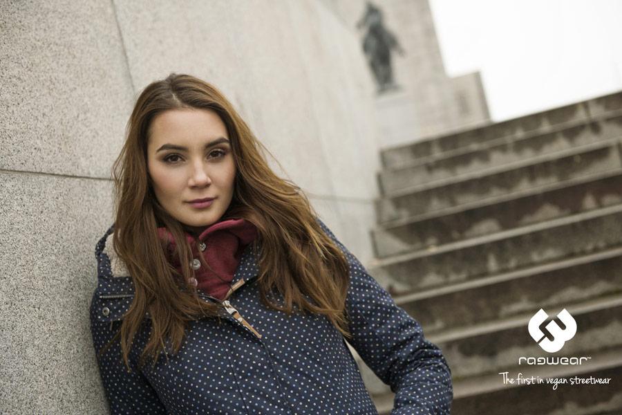Ragwear — zimní bunda s kapucí — modrá s bílými tečkami — dámská