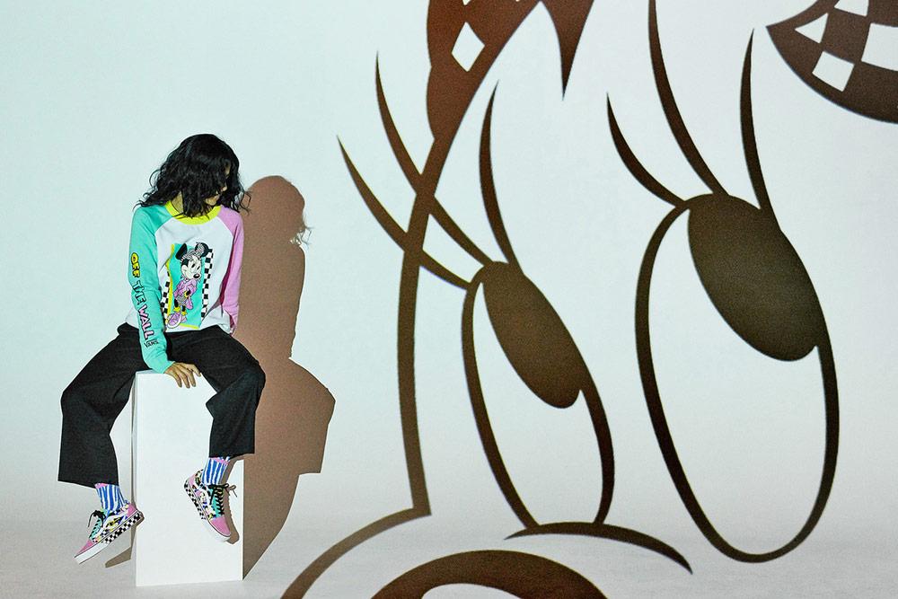 Vans x Disney — Mickey Mouse — barevná dámská mikina — barevné tenisky Old Skool