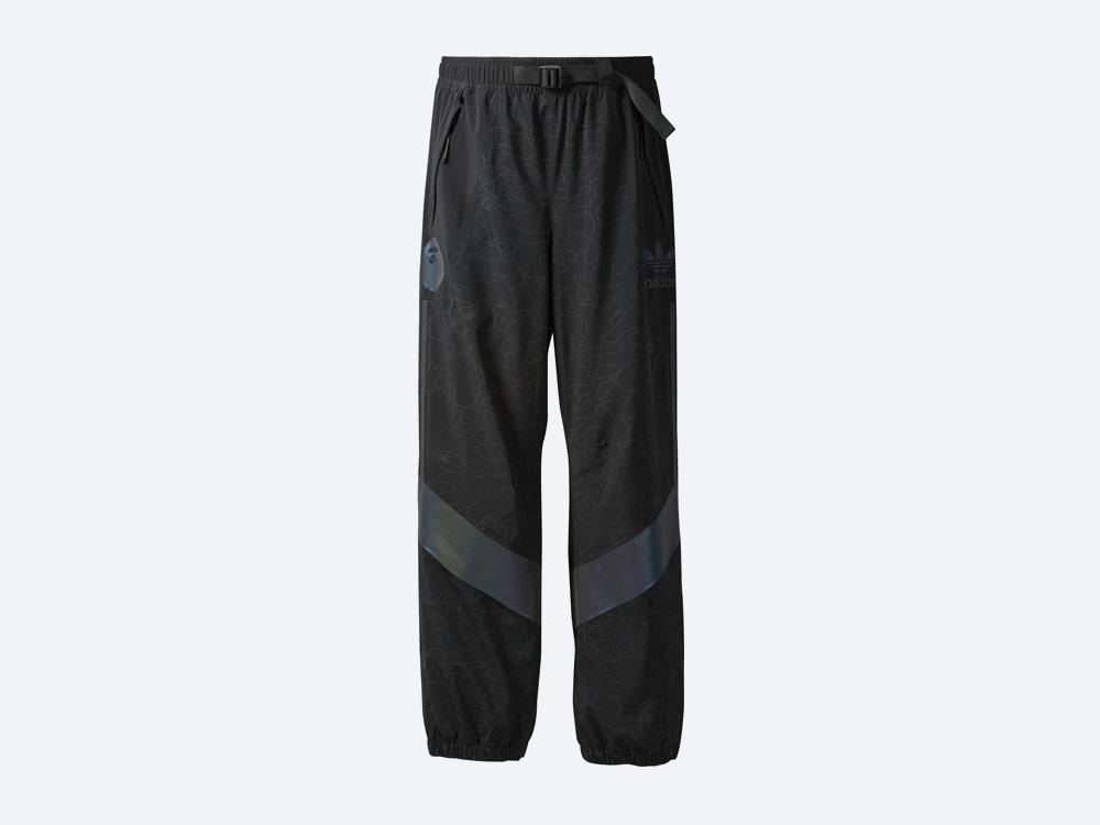 adidas Snowboarding by BAPE® — snowboardové kalhoty Slopetrotter Pant — černé se vzorem