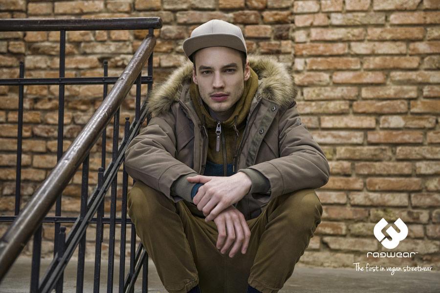 Ragwear — zimní bunda s kapucí s kožíškem — hnědá — pánská