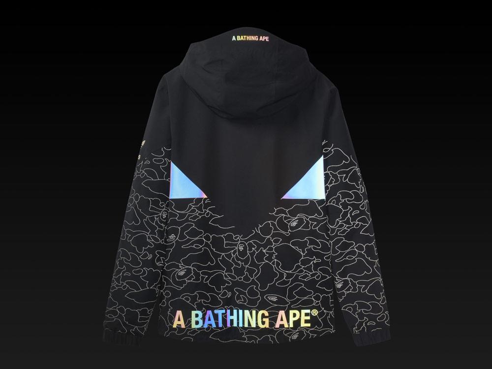 adidas Snowboarding by BAPE® — snowboardová bunda Snow Jacket s kapucí — černá se vzorem