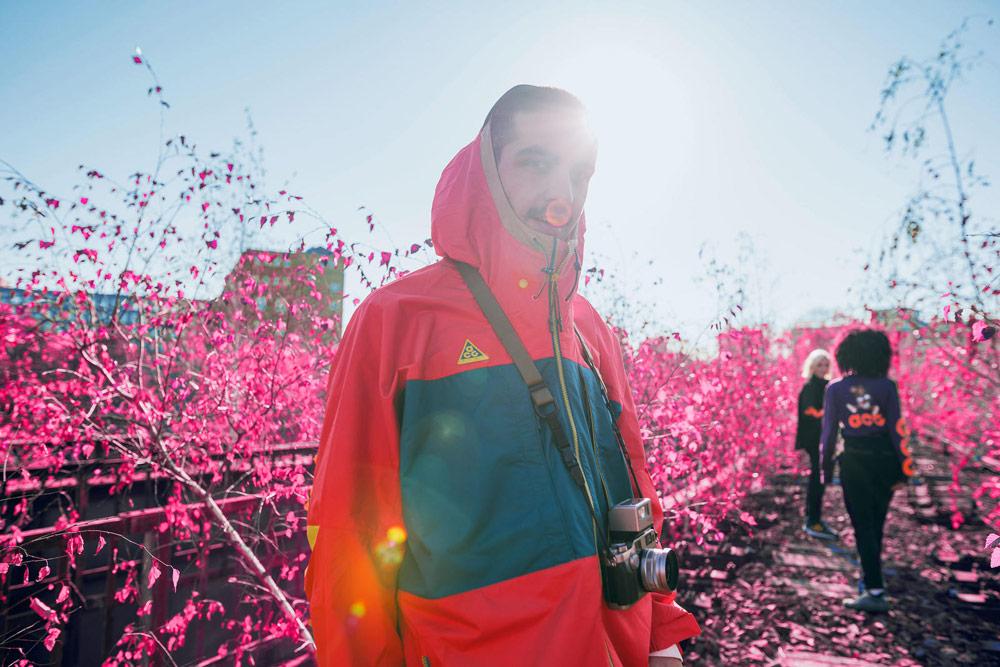 Nike ACG — oranžovy anorak s kapucí — outdoorové městské oblečení, boty, doplňky — zima 2018