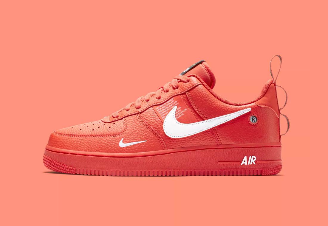 Nike Air Force 1 '07 LV8 Utility — pánské boty — tenisky — sneakers — červené (red)