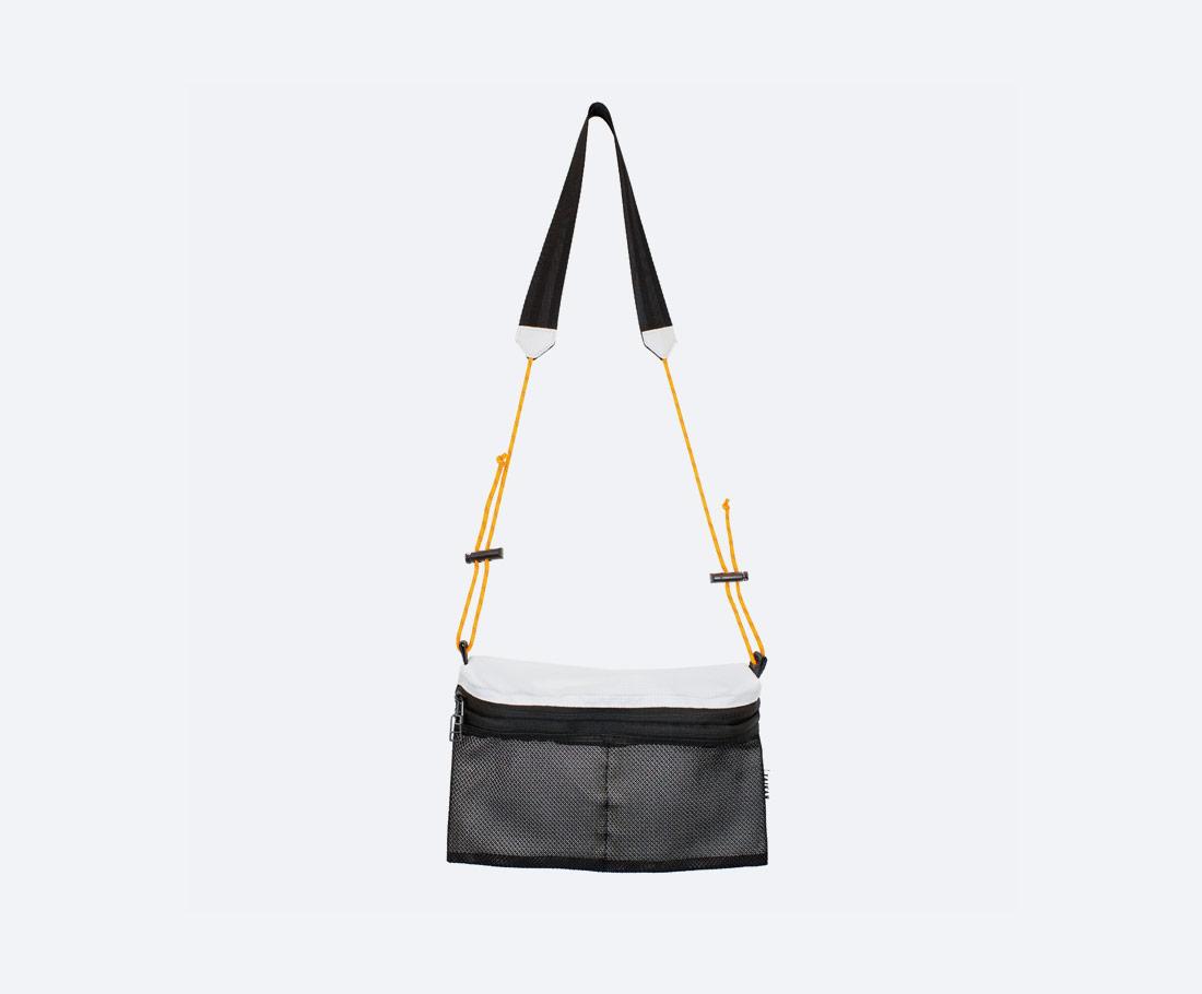 Taikan Sacoche Large — taška přes rameno na drobnosti — taštička na krk — dámská, pánská — bílo-černá