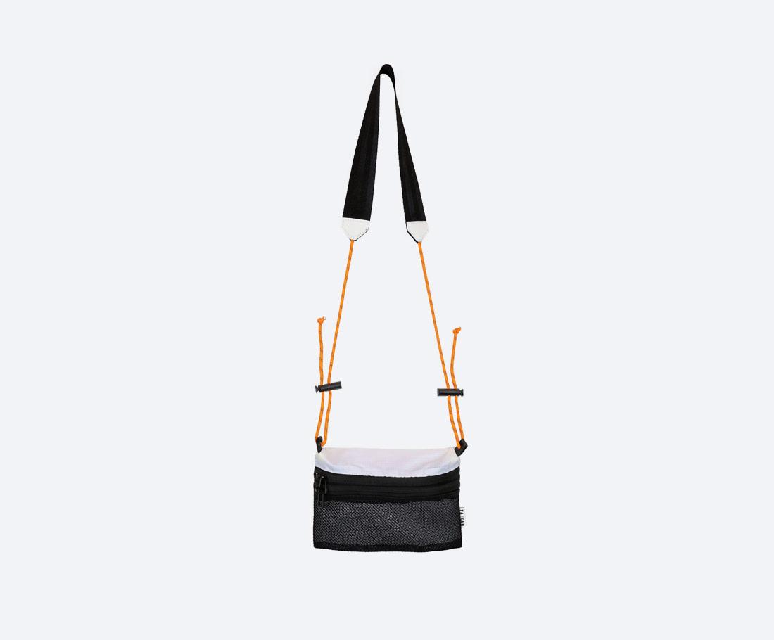 Taikan Sacoche Small — taška přes rameno na drobnosti — taštička na krk — dámská, pánská — bílo-černá