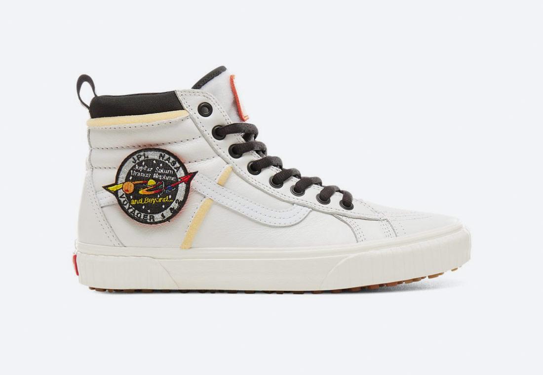 Vans x NASA — Space Voyager Sk8-Hi 46 Mte Dx — kotníkové boty — tenisky — sneakers — bílé — pánské, dámské