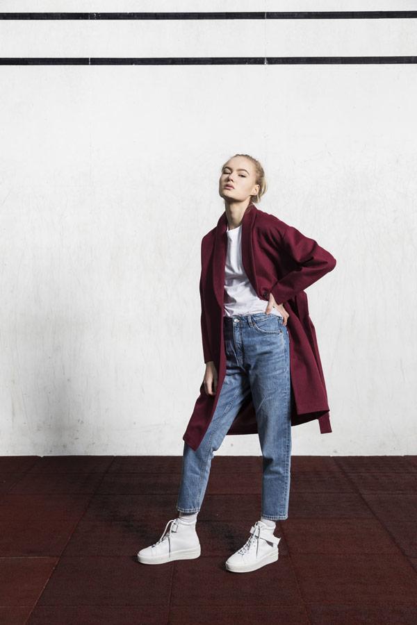 Selfhood — podzimní kabát — dámský — vínově červený