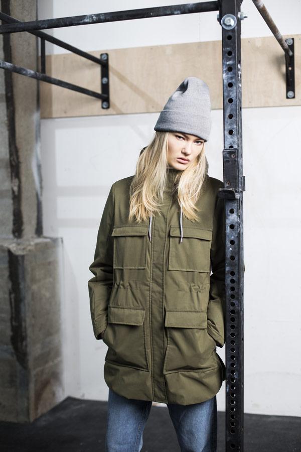 Selfhood — zimní bunda s kapucí a kapsami — dámská — olivově zelená — parka