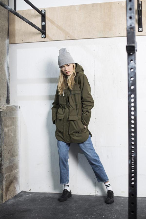 Selfhood — dámská zimní bunda s kapucí — olivově zelená — parka