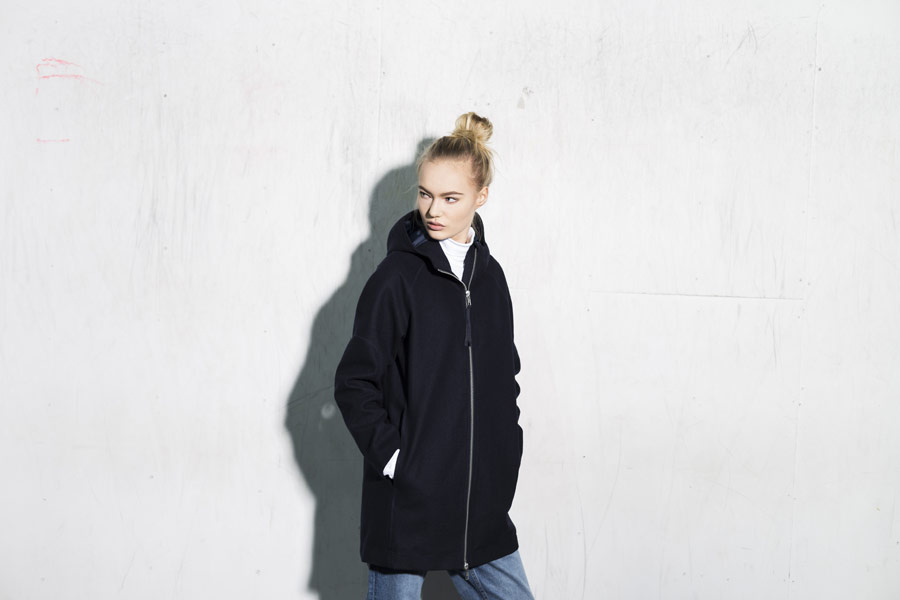 Selfhood — zimní bunda s kapucí — parka — dámská — námořnická tmavě modrá