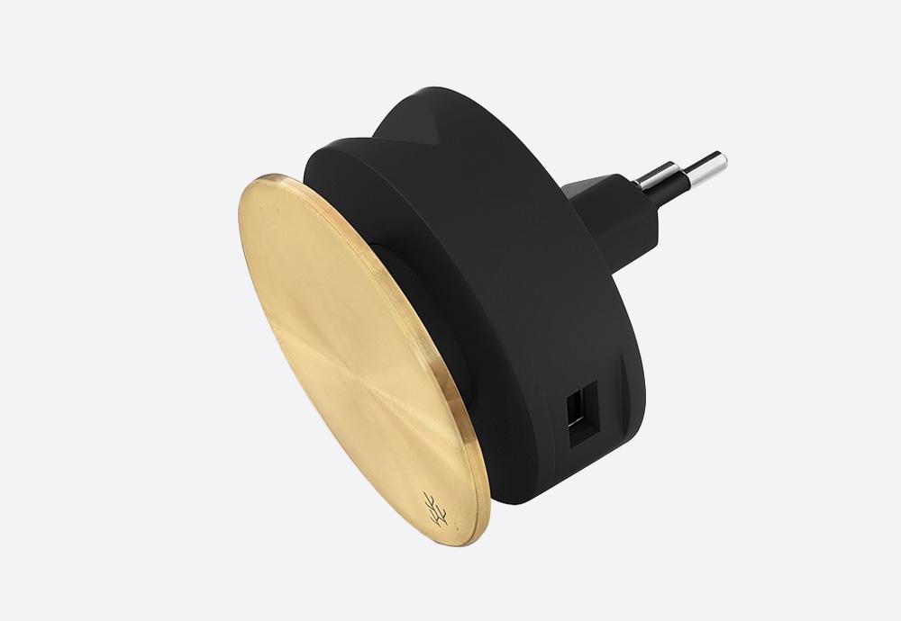 Usbepower Aero Mini Luxury Edition — designová domácí USB nabíječka. Kulatá — zlatá — 2 porty typu A — stojan na telefon
