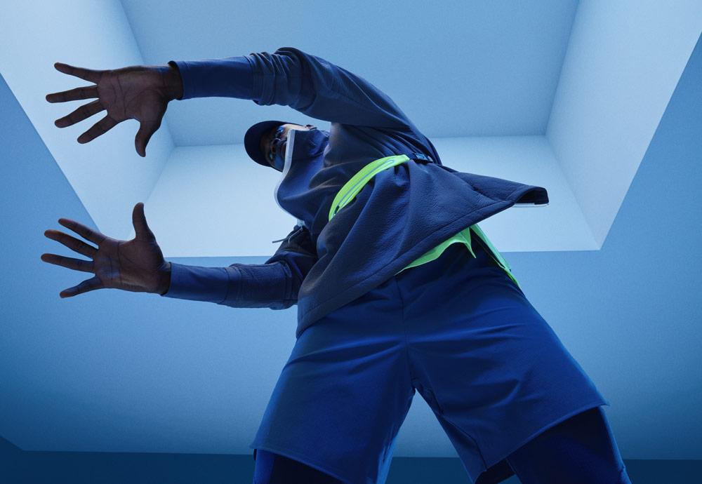 Nike Tech Pack Spring 2019 — sprotovní oblečení — modrá běžecká bunda — mikina — modré šortky
