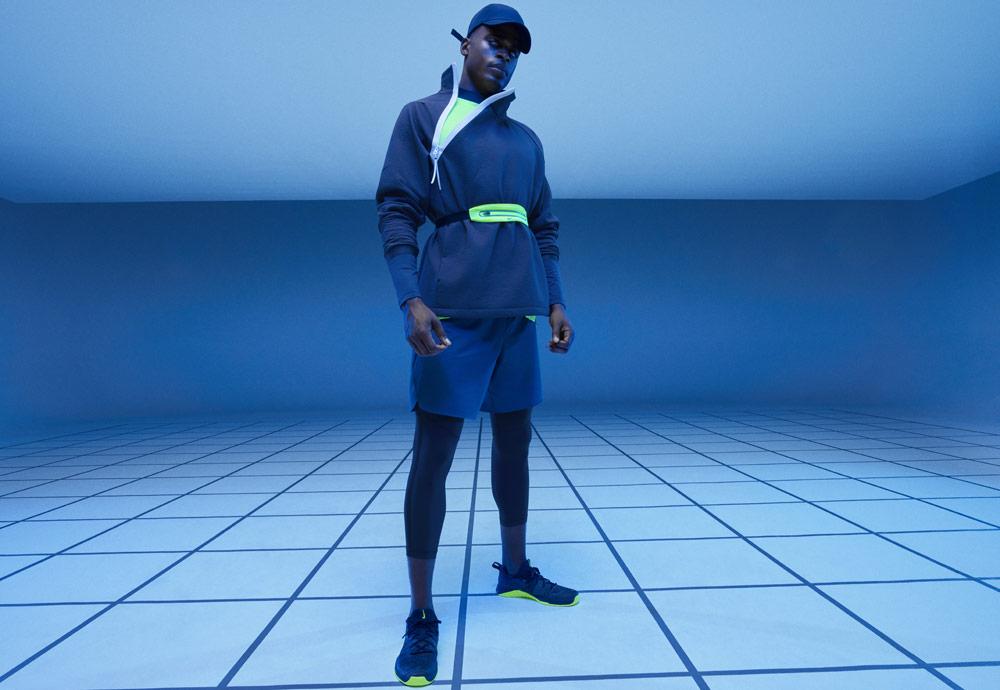 Nike Tech Pack Spring 2019 — sprotovní oblečení — modrá běžecká bunda bez kapuce — mikina — modré šortky — černé pánské legíny