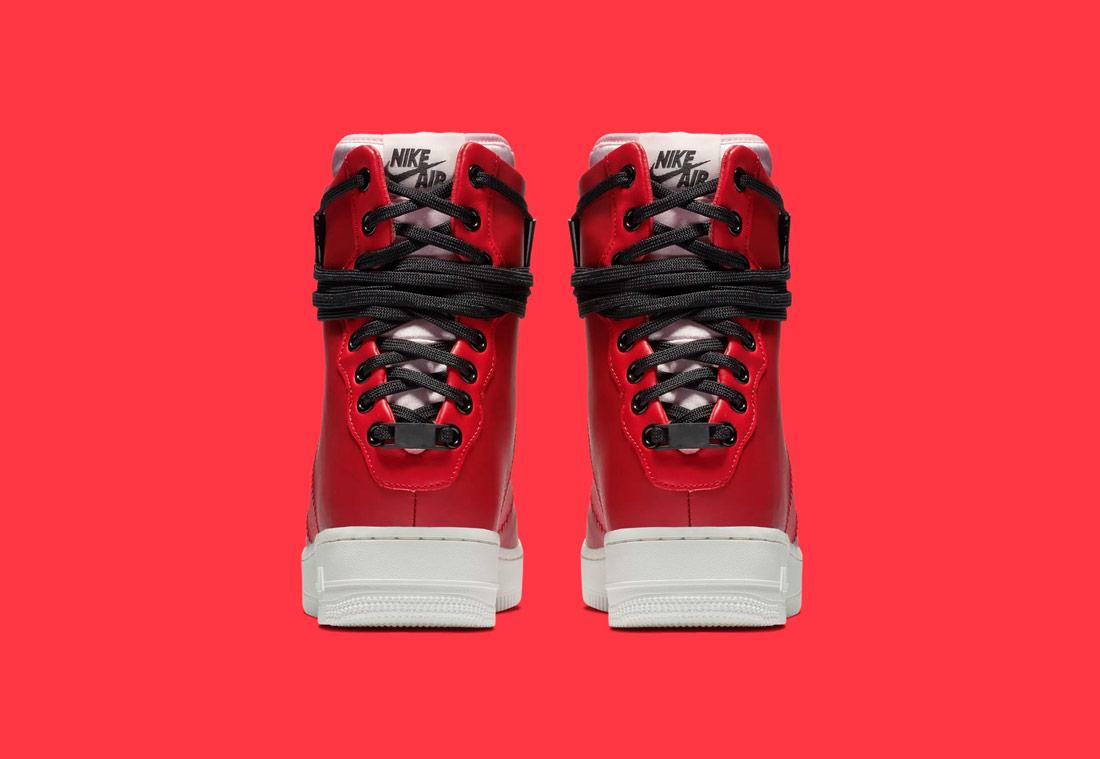 Nike Air Force 1 Rebel XX — dámské zimní boty — kotníkové — červené