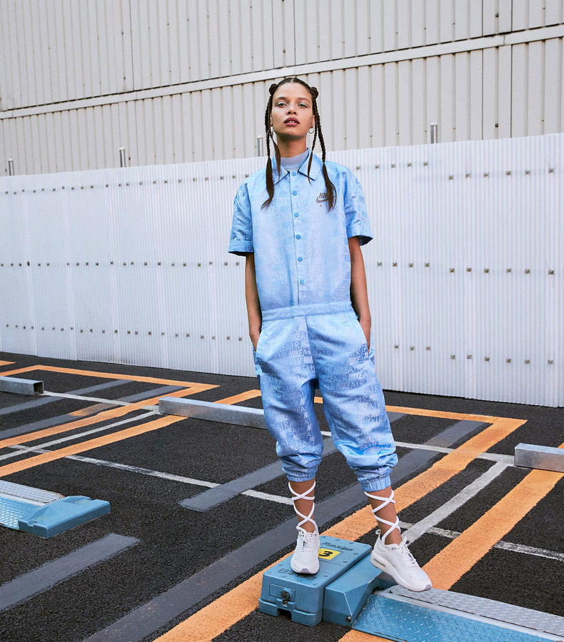 Nike Air Max Dia — dámské boty — sneakers — tenisky — bílé — look