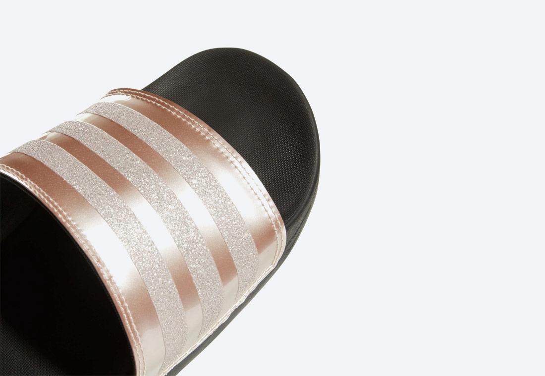 adidas Originals Adilette Cloudfoam Plus Explorer — pantofle — dámské — zlaté — nazouváky