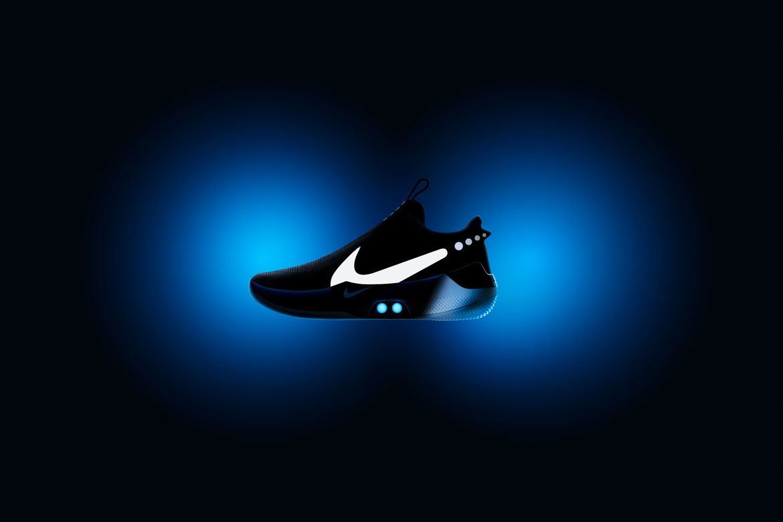 Nike Adapt BB — basketbalové boty — samozavazovací — svítící, elektronické — Hi-Tech basketball sneakers — sportovní obuv
