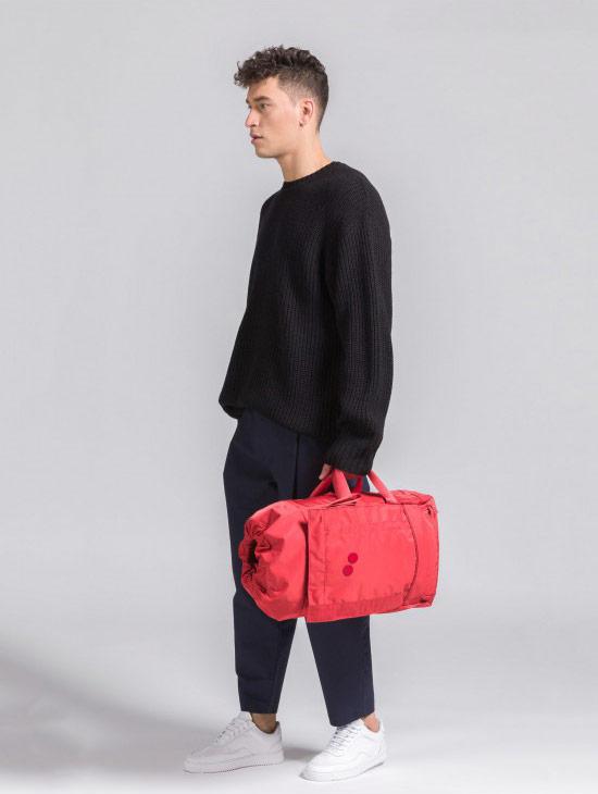 pinqponq Blok Medium — Sharp Ruby — Changeant — červený batoh — městský — outdoor