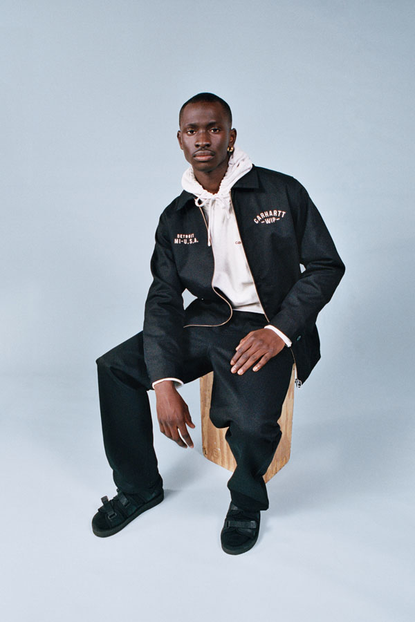Carhartt WIP — pánská černá bunda s límcem — pánské černé kalhoty — lookbook jaro/léto 2019