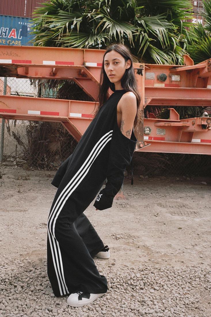 Y-3 — dámské sportovní černé šaty — Yohji Yamamoto x adidas — lookbook — spring/summer — jaro/léto 2019