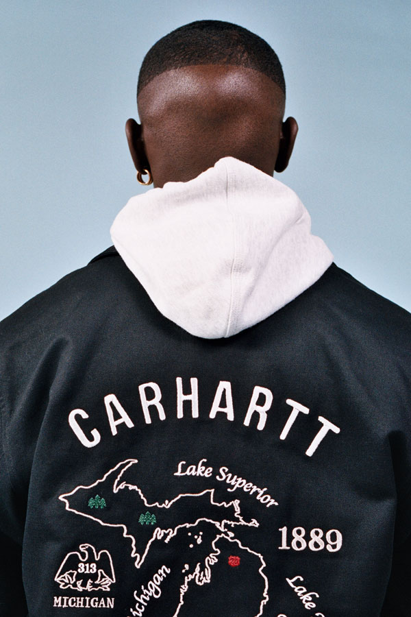 Carhartt WIP — pánská černá bunda s výšivkou na zádech — lookbook jaro/léto 2019