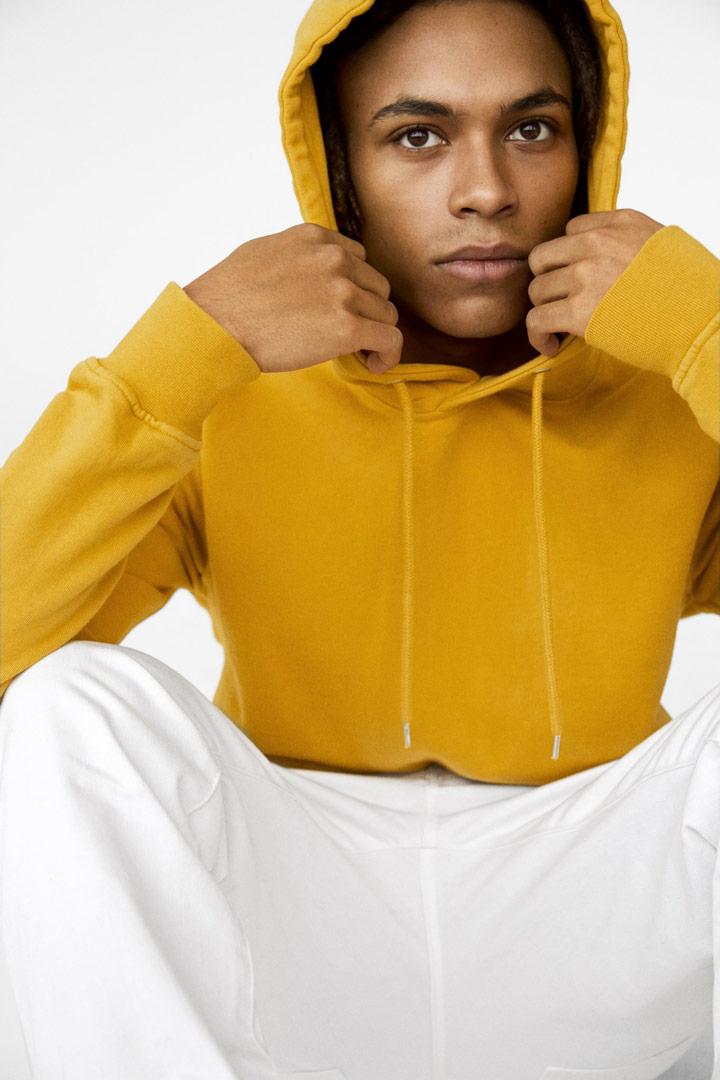 Colorful Standard — basic mikina bez potisku s kapucí — žlutá, hořčicová — pánská, dámská, unisex