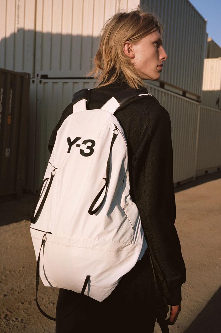 Y-3 — bílý batoh — Yohji Yamamoto x adidas — lookbook — spring/summer — jaro/léto 2019