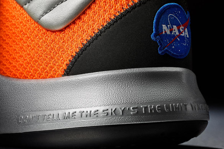 Nike PG3 — Paul George — basketbalové boty — mezipodešev — detail