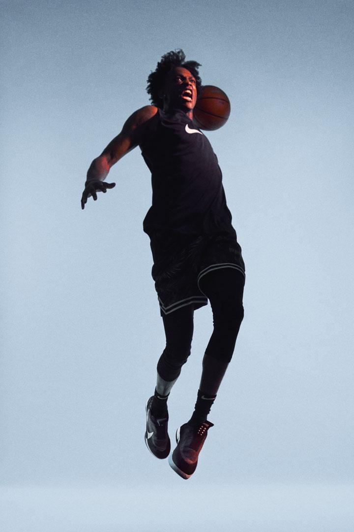 Nike Adapt BB — basketbalové boty — samošněrovací — svítící, elektronické — Hi-Tech basketball sneakers — sportovní obuv — look 08