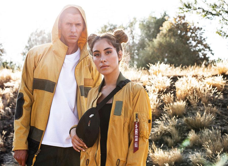 Alpha Industries — jarní pánská žlutá parka s kapucí — jarní dámská žlutá parka bez kapuce